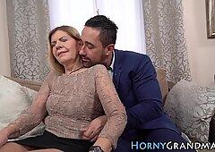 Arrapato nonna viseificato