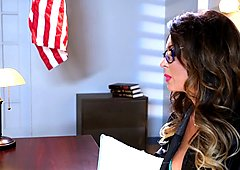 Jessica Jaymes drools over a lawyers thick shaft
