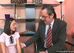 Beauty is offering her twat for teachers fun