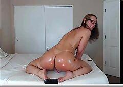Jess Ryan- hot culho shake by webcam show!