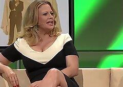 Barbara schoeneberger nice scollatura and gambe