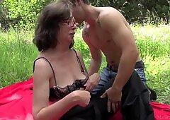 Nonna scopare Ragazzo a Foresta