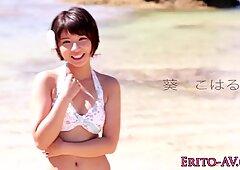 Asiatico bikini Bambina Riempota di Sperma all'aperto