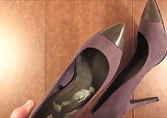 2nd cum to my gf high heels