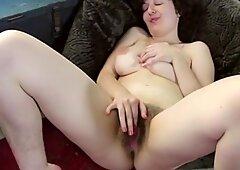 Tamar Sexy Hairy Jewish - Juive Poilue Aime Le Sexe