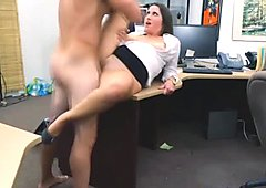 The pawnman gave her a nice big load after pounding her pussy