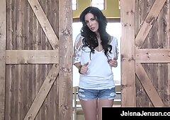 Gambe selvaggio Lunghe Jelena Jensen Dildo Drills nel paese del cowboy!