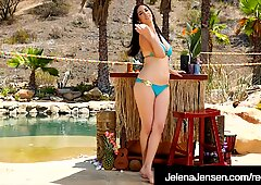 Penthouse Pet Jelena Jensen strofina il suo twat palpitante!