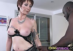 Flessibile Nonna Gults Down Verga prima del cazzo
