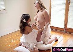 Tettona Lesbica con Pelosa Cunt gode del sesso tantrico