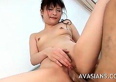 Trushy asiatico adolescente grigia la sua figa pelosa piena di cazzo
