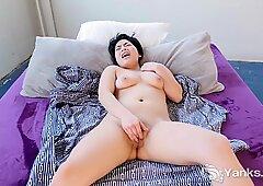Strattona cutey asiatico speranza oro masturbazione