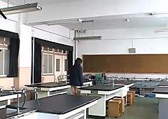 素晴らしいアジア人女子高生は彼女のpart5を披露する