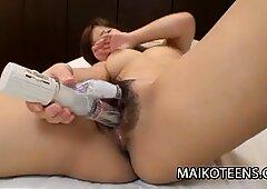 Gocciolante giapponese adolescente figa di reina fukumoto