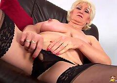 Primo video porno di tettona mamma