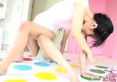 Kohaku Amano play twister with her pretty friends