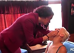Therapy session involves her ass and some spanking