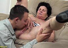 Nonna osceno lanosa di 72 anni ha colpito
