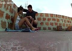 Glamour Thai Sex Bambola viene baciato e accarezzato dal suo compagno